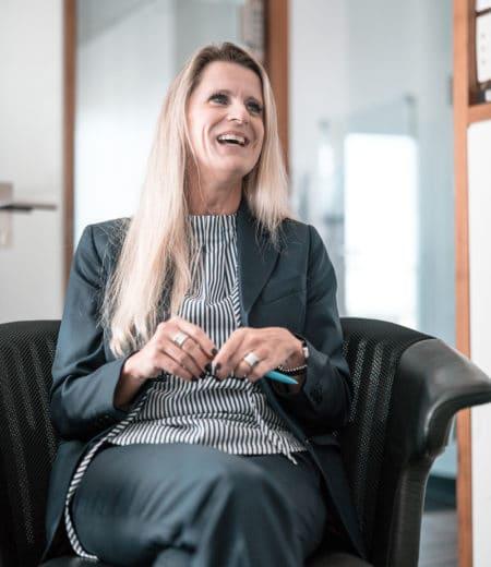 Viola Iskander bei der Unternehmensberatung in München